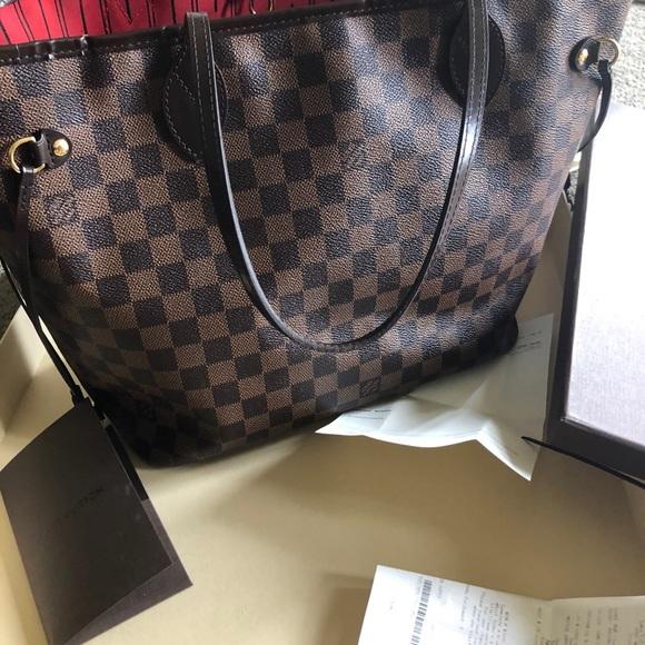 7ead619ec948 Louis Vuitton Handbags - Louis Vuitton MM Neverfull Damier